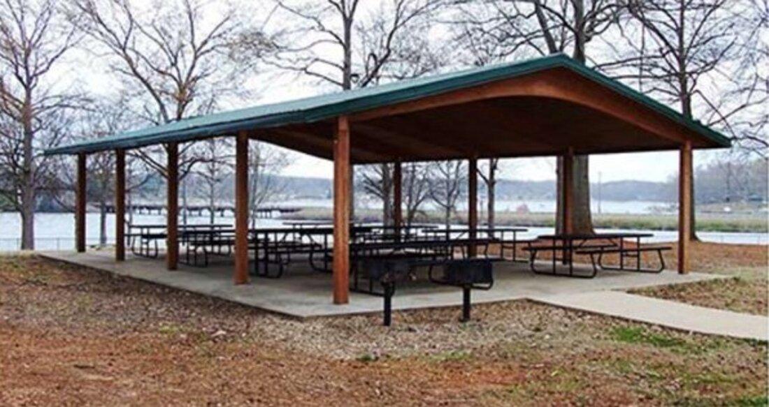 Anchor Park Pavilion at Lake Bowen